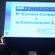 """Vicente Montiel durante su ponencia """"El 'Content Curator' y la Comunicación 2.0"""" impartida en el Congreso #ActitudSocial"""